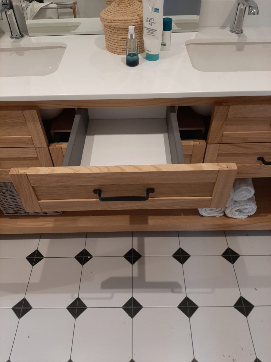 Meuble de salle de bain en Châtaignier